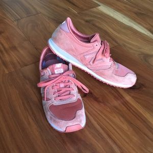 New Balance 420 sneakers - dusty rose size 8.5